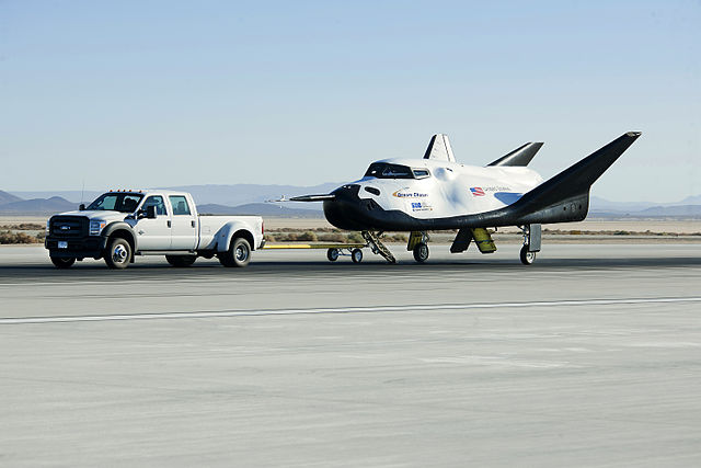 640px-Dream_Chaser_pre-drop_tests.5